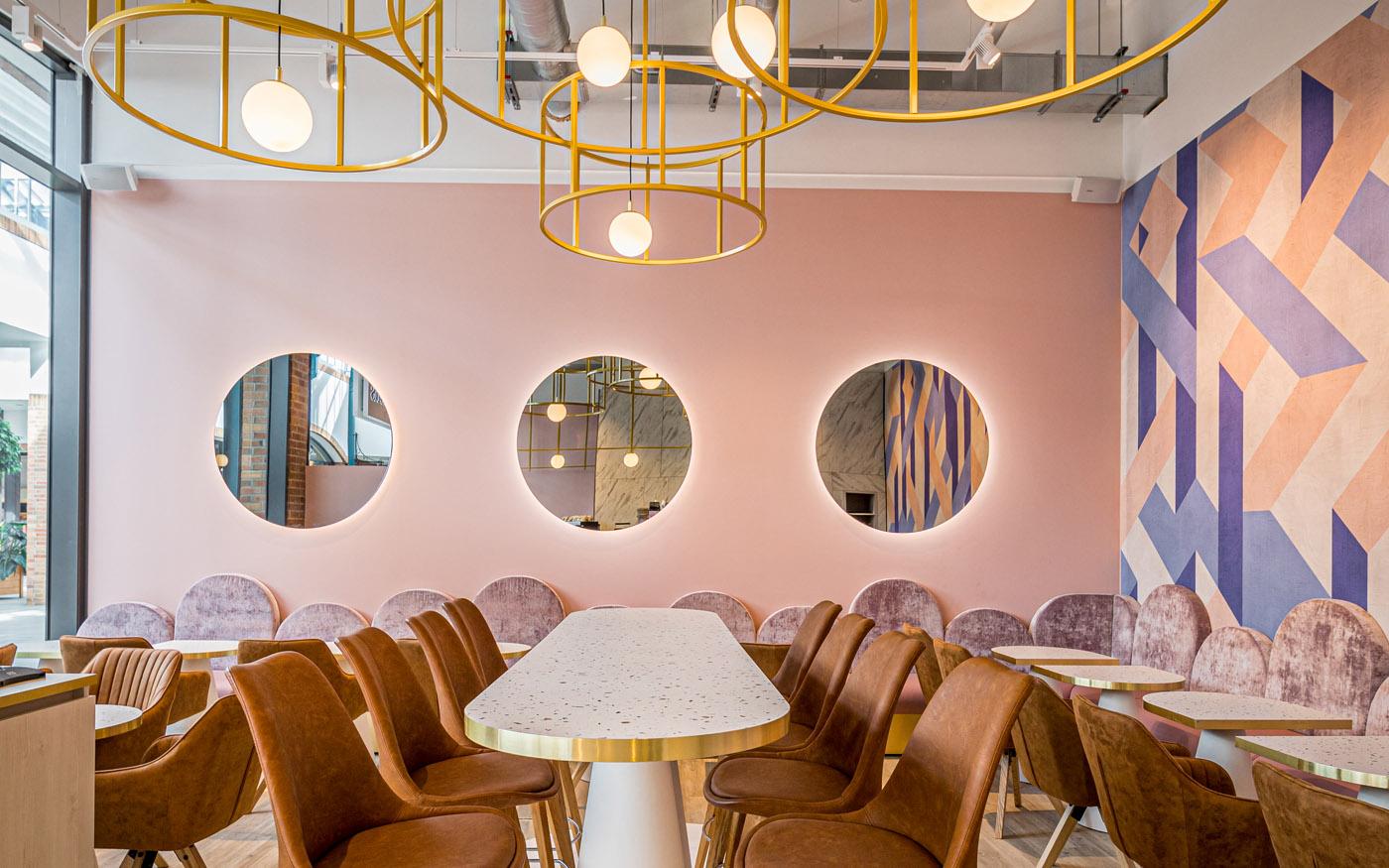 Interior-Design-Eiscafe